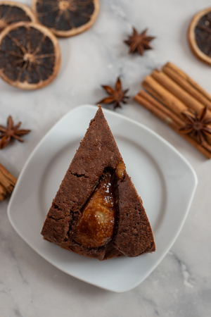 Chocolate cake Standard-Bild - 111901547