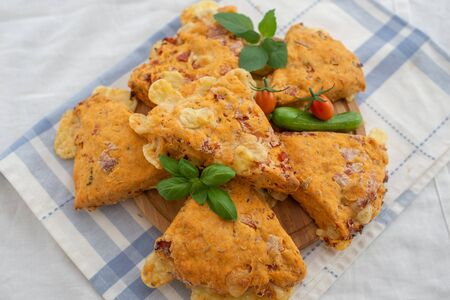 Savory scones with tomato and cheese