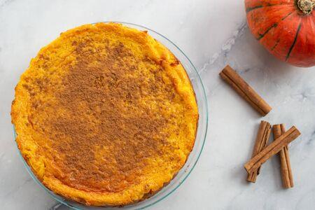 Pumpkin cheesecake with cinnamon crust