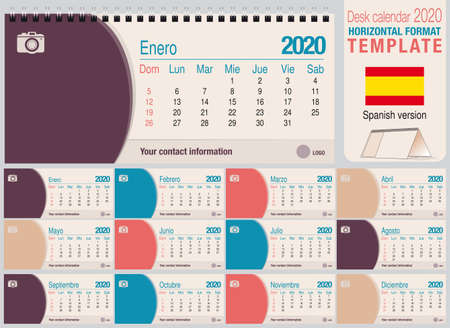 Useful desk triangle calendar 2020 template, with space to place a photo. Size: 22 cm x 10 cm. Format horizontal - Spanish version. Vector image Ilustração