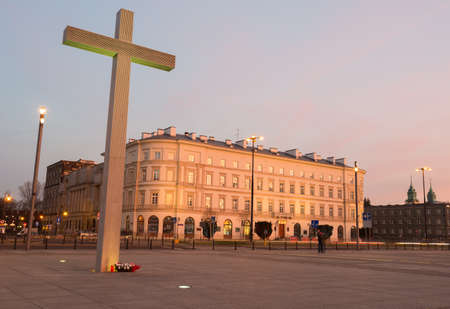 polska monument: Warsaw, Poland - December 24, 2015: Pilsudski Square with Cross in Warszaw, Poland