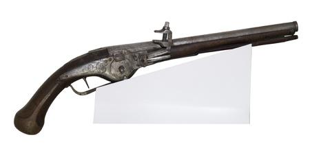 flint gun: Pistola es antiguo aislado en el blanco