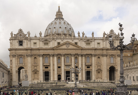 love dome:    Vatican,Italy-April 04,2014:Tourists visiting St. Peters Square