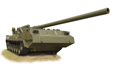 pion: RUSSIA; SAINT-PETERSBURG - JULY 8 - The record powerful artillery in the world of self-propelled 2S7 Pion( 203 mm) mod.1975 (it is isolated on a white) in military history museum on July 8; 2015 in St. Petersburg