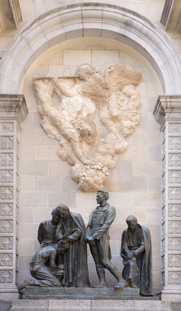 josep: Barcelona,Spain-September 9,2014 :  Monument to the martyrs of 1809. It honors the memory of men executed during Napoleonic occupation (Sculptors:Josep Llimona i Bruguera,Vicenc Navarro i Romero) Editorial