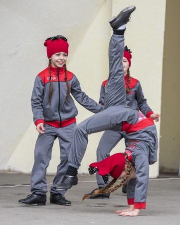 heathen: ROSTOV-ON-DON, RUSSIA-MARCH 13- Performance of children dance ensemble of Maslenitsa in Gorky Park on March 13;2016 in Rostov-on-Don