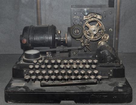 telegrama: aparato de tel�grafo (1928)