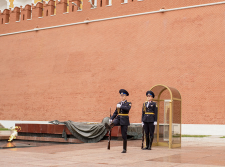 relieve: Moscow, Russia -September 08,2016: To relieve a sentry on the post at the Eternal Flame at the Tomb of the Unknown Soldier