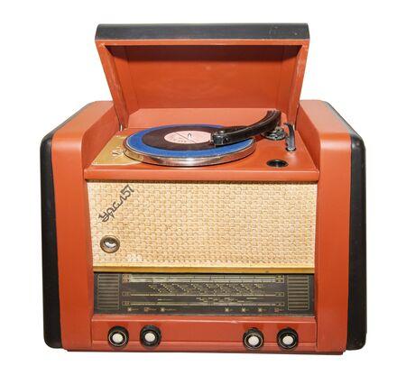 Receptor de radio de mediados del siglo XX - aislado en blanco