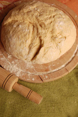 Dough for griddle cake and rolling pin
