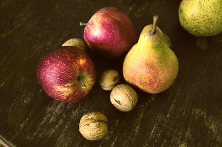 Paire, Apple et d'autres fruits à poster des photos de style rétro Banque d'images - 26047003