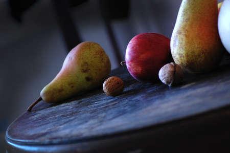 Paire, Apple et d'autres fruits à poster des photos de style rétro Banque d'images - 26047004