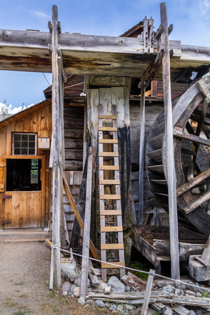 molino de agua: Photo of old watermill building with craced planks.