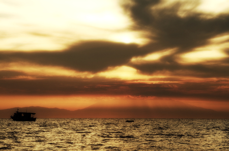sunset over sea Lizenzfreie Bilder