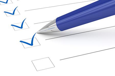 チェックリストの紙とペン