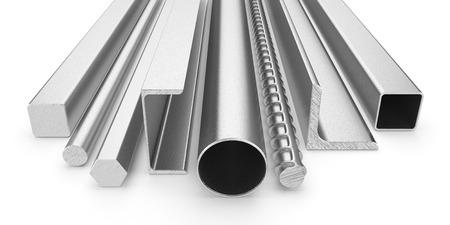 siderurgia: Productos de acero inoxidable aislados en el fondo blanco 3d Foto de archivo