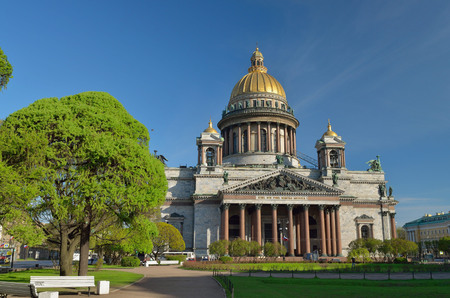 house of god: Russia.The biggest Orthodox Cathedral in St. Petersburg. Located on St. Isaacs square. Has the status of a Museum