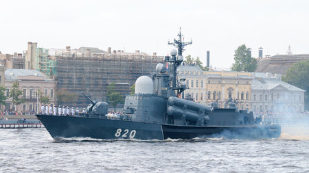 battleship: 30.07.2017 Russia.Saint-Petersburg.Day of the Russian Navy in 2017 was carried out with particular solemnity.The Neva will be warships of all navies.
