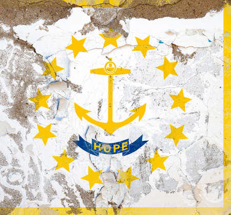 Rhode Island grunge, damaged, scratch, old style state USA flag on wall. Stockfoto