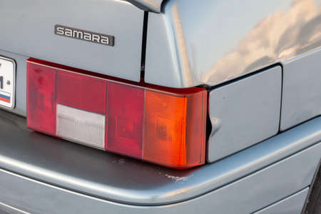 Novosibirsk, Russia - 02.01.202: Gray lada 2114 Samara rear taillamp view with dark gray interior in excellent condition in a parking space on winter Standard-Bild - 139191553