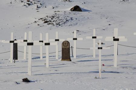 Alter Friedhof in Longyearbyen, Spitzbergen Svalbard. Jetzt ist es verboten, Menschen zu begraben. Lizenzfreie Bilder