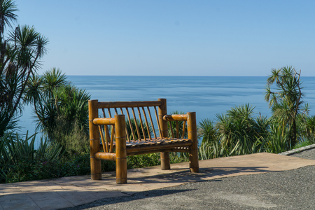 Bamboo bench with a sea view from the Botanical Gardens in Batumi, Georgia. Standard-Bild