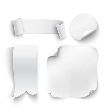 insignia: Conjunto de blanco, pegatinas en blanco, cintas, aislados en fondo blanco. Ilustración vectorial Vectores