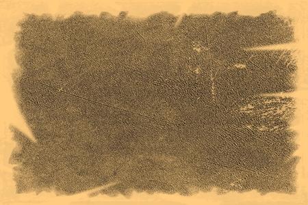 Alte Fototextur mit Flecken und Kratzern. Vintage und antikes Kunstkonzept. Vorderansicht des leeren alten schmutzigen Rahmens mit Flecken auf einem weißen Hintergrund. Detaillierte Nahaufnahme Studioaufnahme.