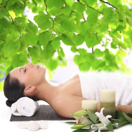 Woman relaxing in spa Standard-Bild