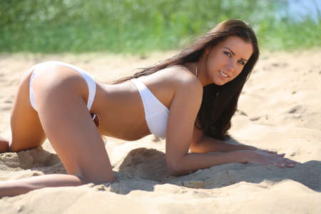 hot ass: the girl in the sand
