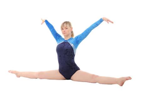 cornrows: chica joven realiza ejercicios de gimnasia que hace la gimnasia puente