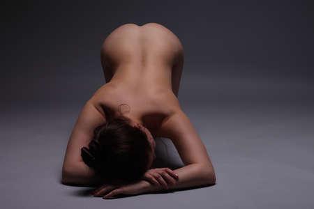 mujer desnuda sentada: chicas flexibles fotos desnudas