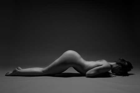 nude young: гибкие девушки ню фотографии
