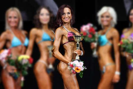 abdominal fitness: Mujer musculoso Delgado