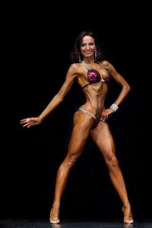 sixpack: Slim muscled woman