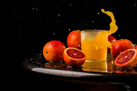 Fresh juice mix fruit, healthy drinks healthy, drink, freshness, glass, ripe, straw, sweet, tropical, bar cup plastic mix cocktail detox tomato bio macro, movement drops splash Imagens - 101268527