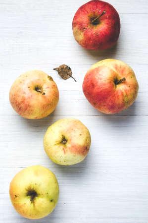Fresh natural apples on white background Banco de Imagens - 121677747