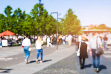 Blur and defocus. People walk in the Park. The concept of the urban landscape Stockfoto
