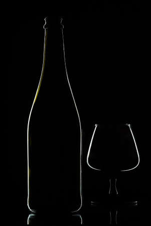 Bottle  wine  with  glas