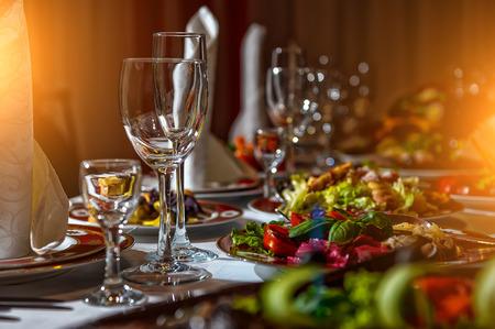 caterer: restaurant set