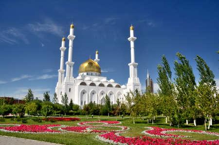 Nur Astana Mosque in Astana, Kazakhstan Фото со стока - 51718725