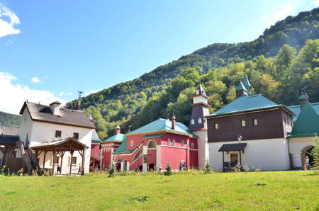 CULTURAL - ETHNOGRAPHIC CENTER MY RUSSIA, ROSE FARM, SOCHI RUSSIA OCTOBER 2015 View of the building symbolizes the Central Russia, Krasnaya Polyana, Sochi, Russia. Редакционное