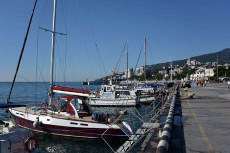 YALTA, CRIMEA SEPTEMBER 6, 2017: View of the embankment of the city of Yalta 報道画像
