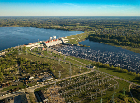 Daugava river, plavinas. Hydroelectric power station in Latvia. 版權商用圖片 - 104086493