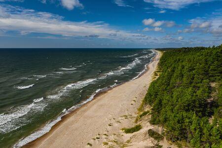 The shore of Baltic Sea. Sunny day. Peaceful sea. Banco de Imagens