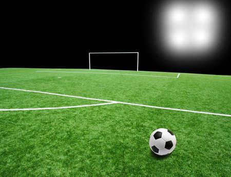 cancha de futbol: Bal�n de f�tbol en el estadio