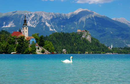 Lake Bled and mountains. Slovenia, Europe. Imagens