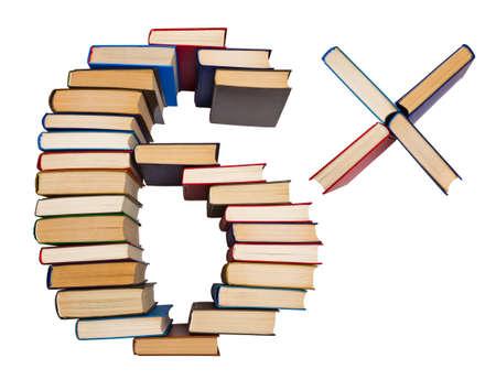 multiplicar: Alfabeto hecho de libros antiguos, figuras 6 y multiplicar