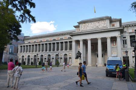Street View of Entrance of Prado Museum in Madrid, Spain Editöryel