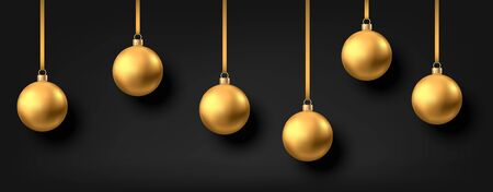 Golden  hanging Christmas balls isolated on black  background. Xmas realistic baubles decor. Vector gold holyday decorations. Stock Illustratie
